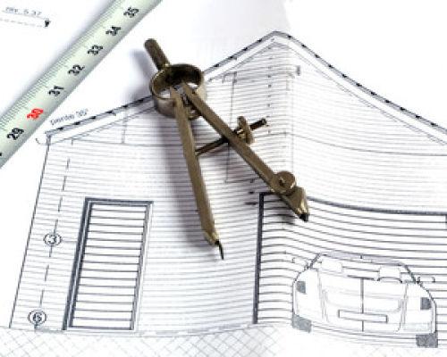 Давайте в этой статье рассмотрим ворота для встроенного гаража в коттедж.
