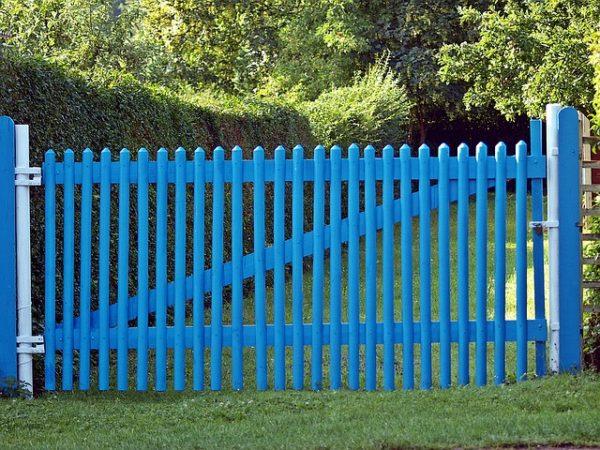 Решетчатый забор.